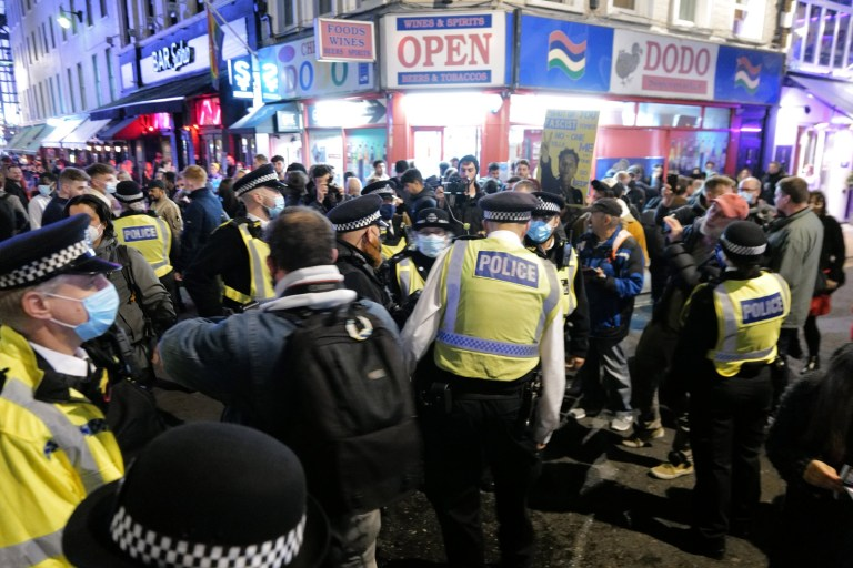 w8media A busy soho with people packing the streets eating and drinking before the sat night lockdown kicks in
